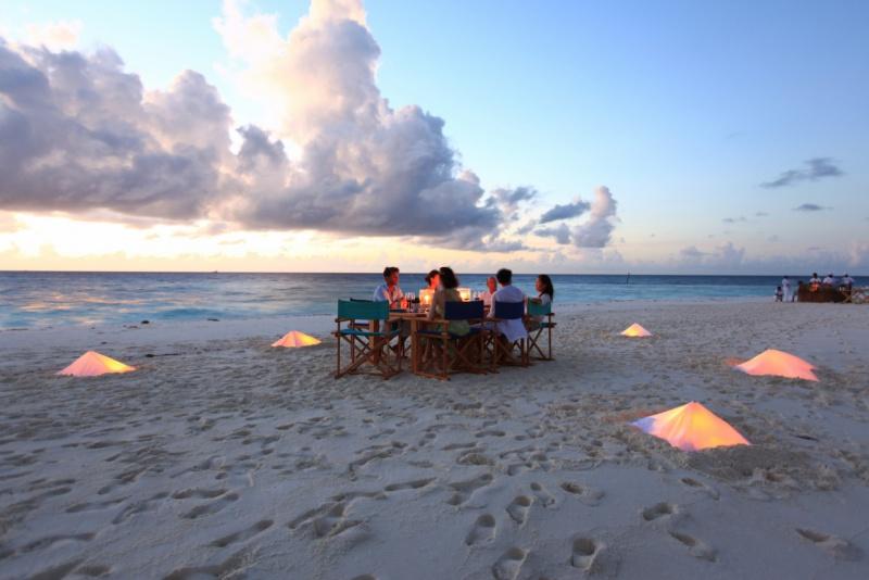 Sandbank Dining at Six Senses Laamu, Maldives